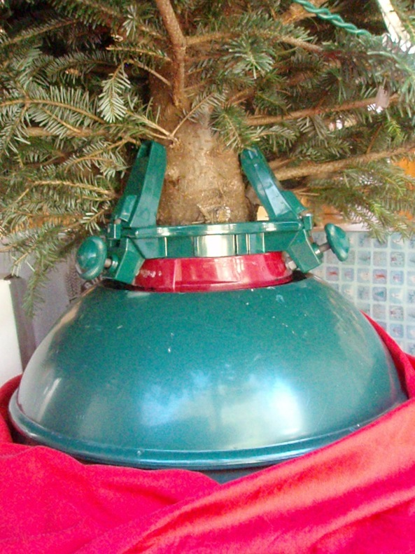 the swivel straight tree standand the ghosts of christmases past good buy bad buy
